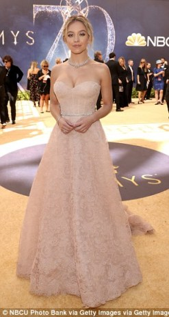 50525E5D00000578-6169675-Beaming_beauty_Sydney_Sweeney_L_donned_a_cream_gown_with_a_silve-a-580_1537246527132